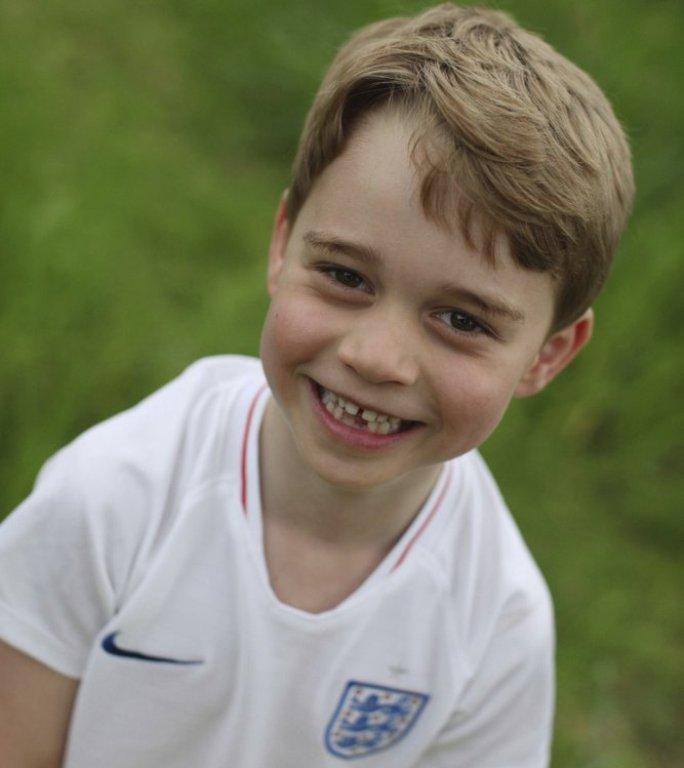 Balettórákra fog járni a kis brit herceg