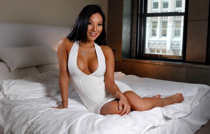 Szexet és közös filmet tervez a róla mintázottszexrobottal a híres pornószínésznő – FOTÓ 18+