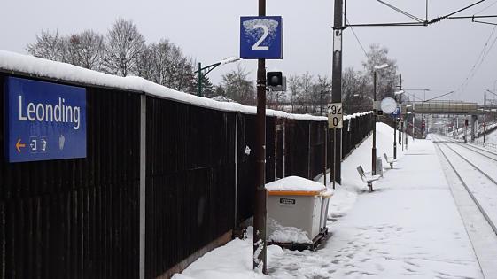 Hóembert gázolt a vonat, több mint egy órán át keresték a holttestet