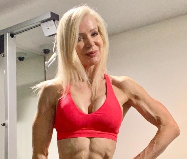 A 63 éves személyi edző testét sok nő megirigyelhetné (FOTÓK)