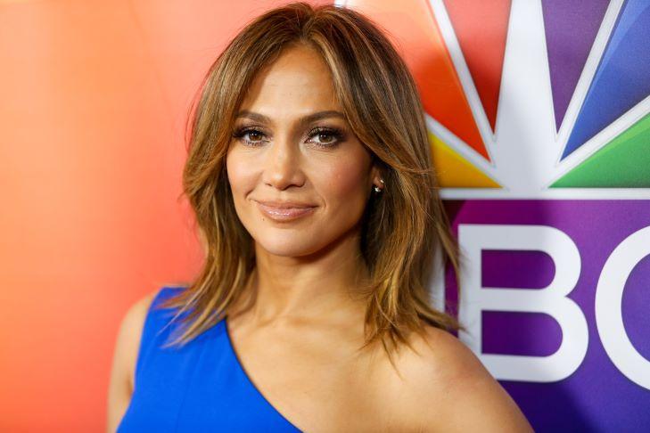 Jennifer Lopez egy csókolózós képpel tette hivatalossá kapcsolatát Ben Affleckkel