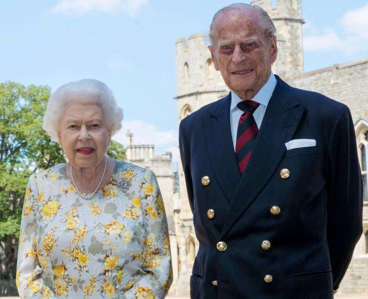 II. Erzsébet királynő és férje megkapta a koronavírus elleni védőoltást