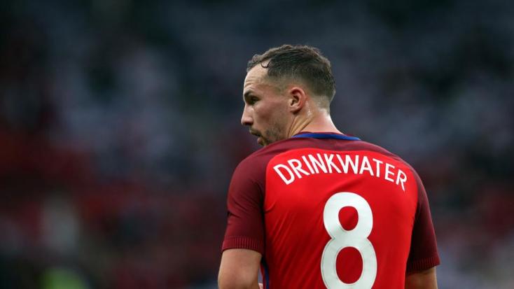 Nekihajtott egy betonfalnak a részeg angol válogatott focista