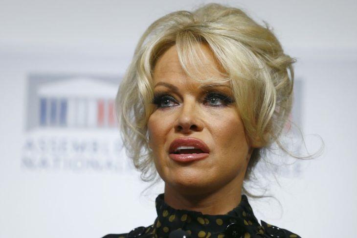 Pamela Anderson nagyon szexi a legújabb képein (FOTÓK)