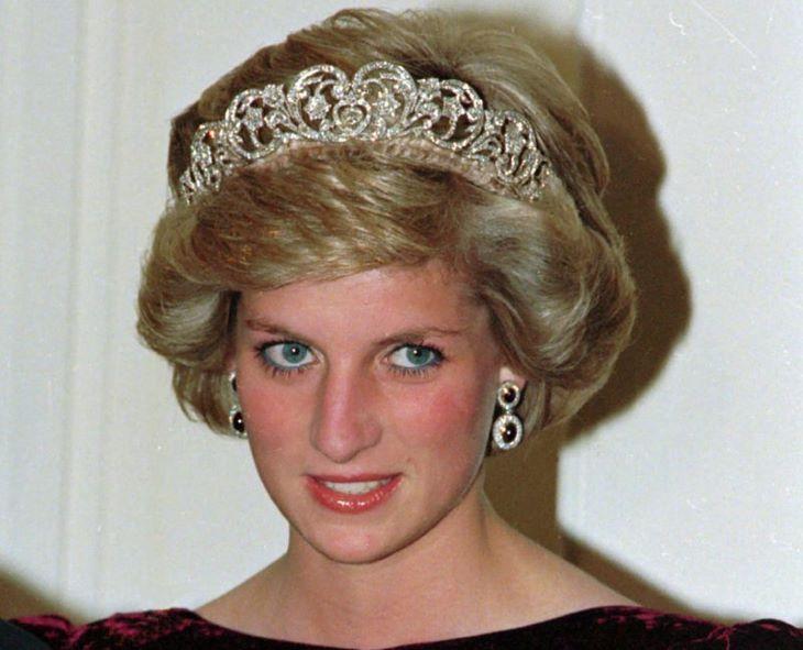 Vizsgálatot indít a BBC a negyedszázaddal ezelőtti Diana-interjú körülményeinek feltárására