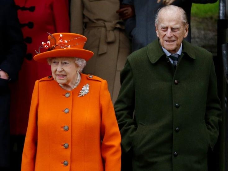Új fotót tett közzé a királyi családErzsébet királynő és Fülöp herceg házassági évfordulója alkalmából