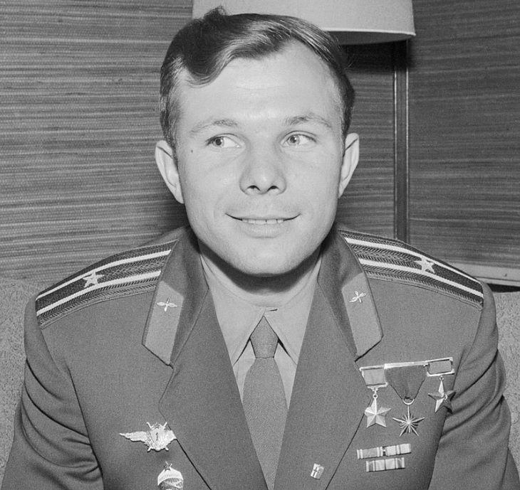 Elárverezik a limuzint, amelyen Gagarin bevonult Moszkvába az űrutazás után