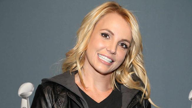 Britney Spears át akarta verni rajongóit, de magát járatta le– FOTÓ!
