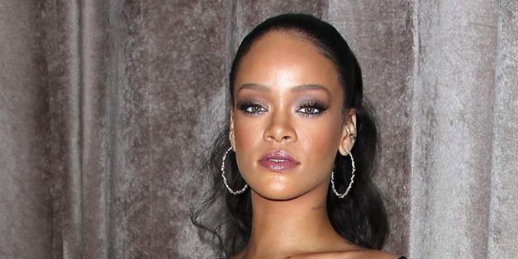 Betör a divatszakmába Rihanna
