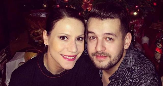 Első gyermekével várandós az X-Faktor egykori sztárja (FOTÓ)