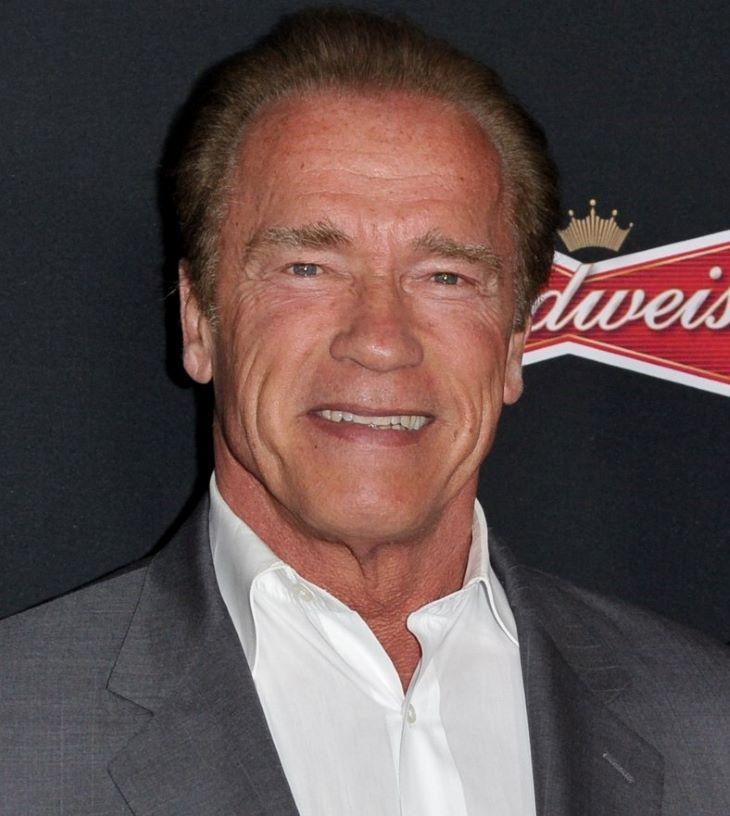 Arnold Schwarzenegger megkapta a koronavírus elleni védőoltást (VIDEÓ)