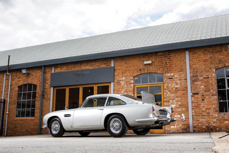 Elárvereznek egy James Bondnak készített Aston Martint