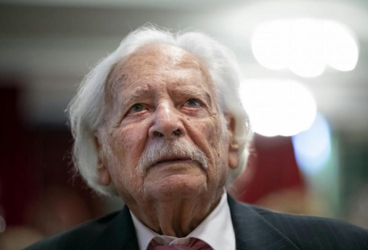 Önkéntes karanténba vonult a 100 éves Bálint gazda