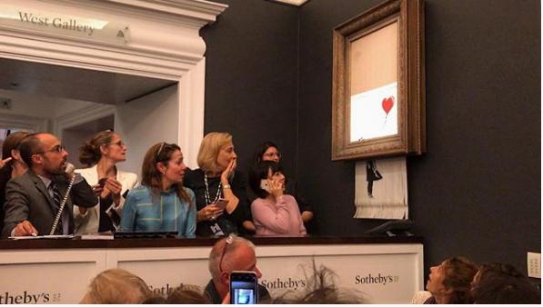 ÉSZMEGÁLL: Megsemmisítette magát Banksy egyik képe egy aukción, miután elkelt!