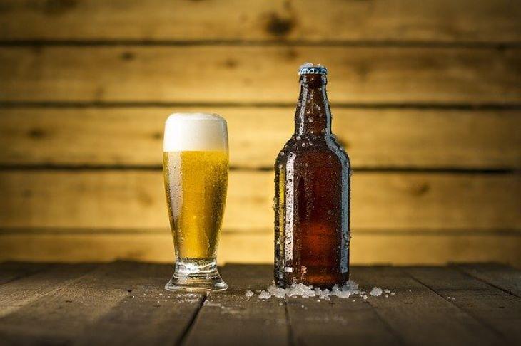Az Egyesült Államokban ingyen sörrel csalogatják oltásra a felnőtteket