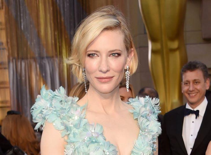 Érdekes balesetet szenvedett Cate Blanchett - megvágta a fejét egy láncfűrésszel