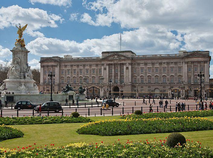 Brit parlament: a királynő adja bérbe a Buckingham-palotát