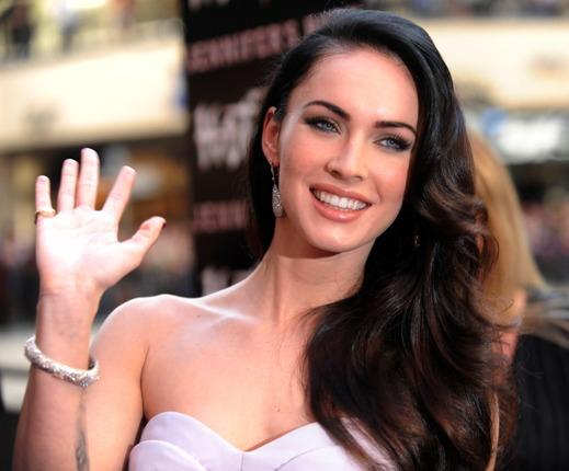 Megan Fox megmutatta, hogy három gyermek édesanyjaként mennyire jó nő
