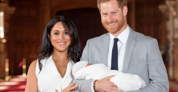 A királyi babára tett rasszista bejegyzése miatt kirúgták a BBC műsorvezetőjét