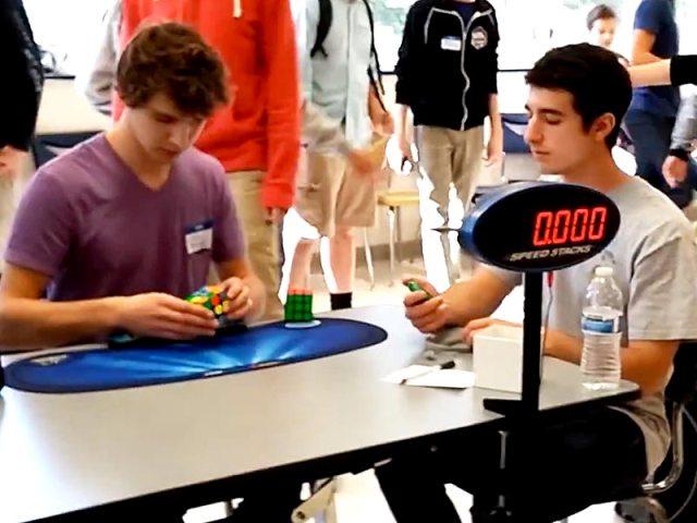 Új világrekord született Rubik-kocka kirakásban