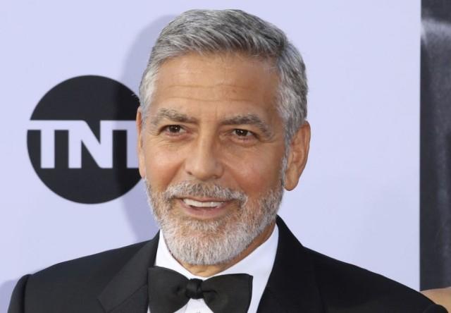 Ha meg akarja kaparintani George Clooney motorkerékpárját, most tegye meg