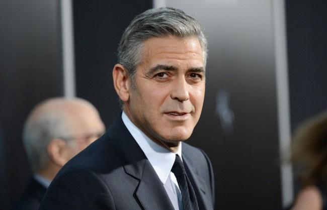 George Clooney balesetet szenvedett
