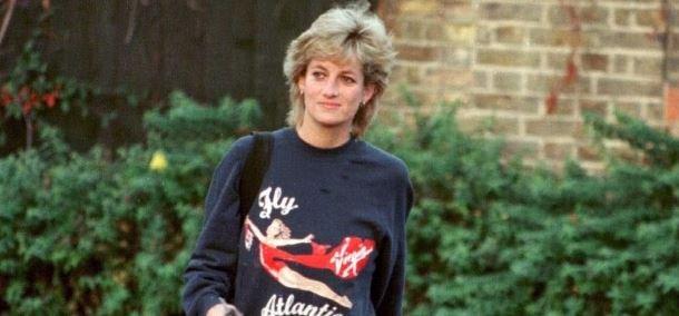 Elképesztő összegért árverezték el Diana hercegnő melegítőfelsőjét