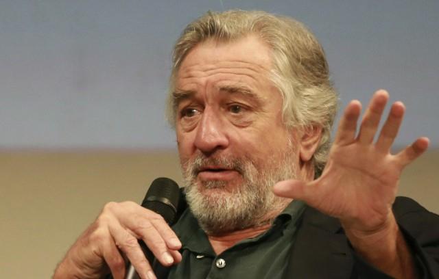 Robert De Niro is bombának tűnő csomagot kapott
