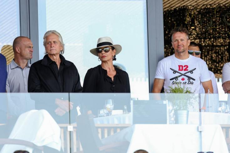 Michael Douglas és Catherine Zeta-Jones jól érezte magát a Csallóközben – Fotók!