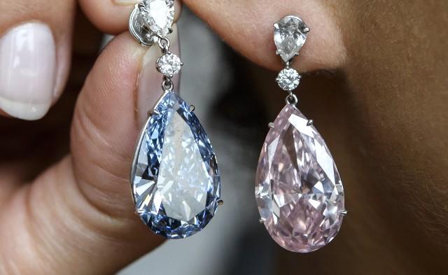 Rekordáron talált gazdára  a gyémánt fülbevaló