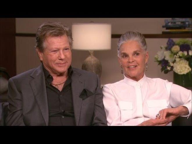 Csillagot kaptak a Love Story főszereplői a hollywoodi Hírességek sétányán