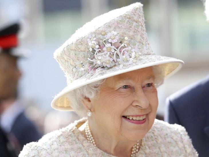 Zárt körben ünnepelték II. Erzsébet királynő hivatalos születésnapját (FOTÓK+VIDEÓ)