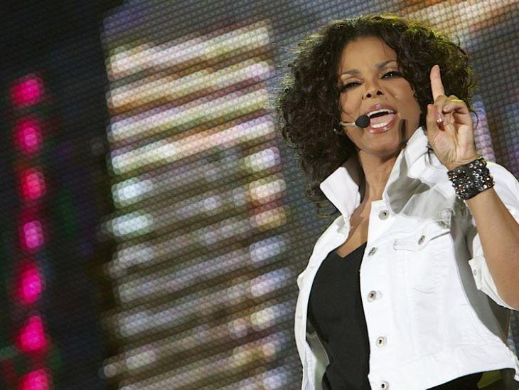 Több mint 81 ezer dollárt fizettek Janet Jackson dzsekijéért