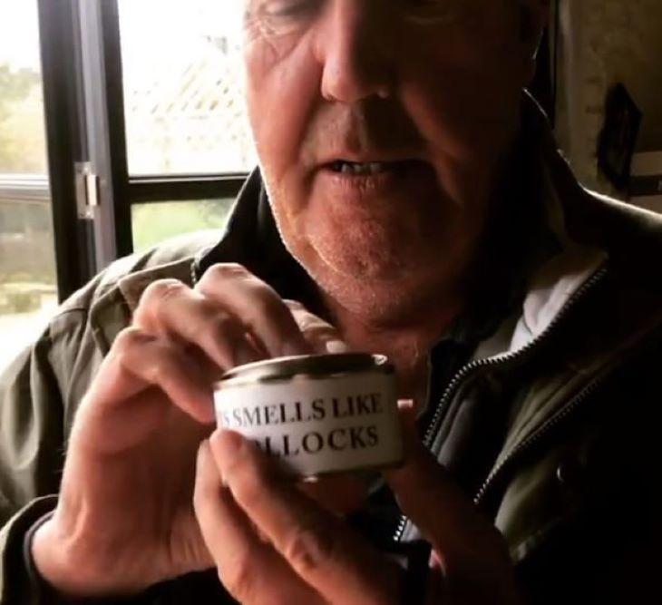 Herezacskó illatú gyertyát forgalmaz az ismert műsorvezető - VIDEÓ