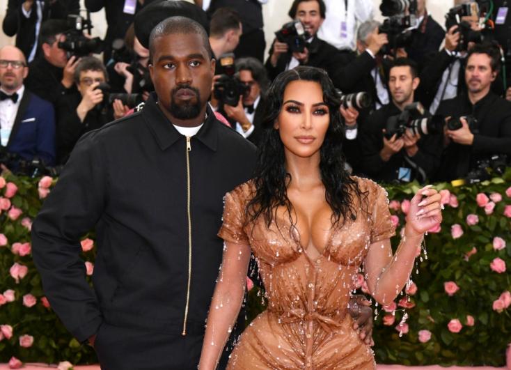Benyújtotta a válóperi keresetet Kim Kardashian