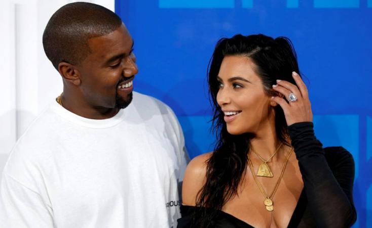 Világra jött Kardashianék negyedik gyermeke