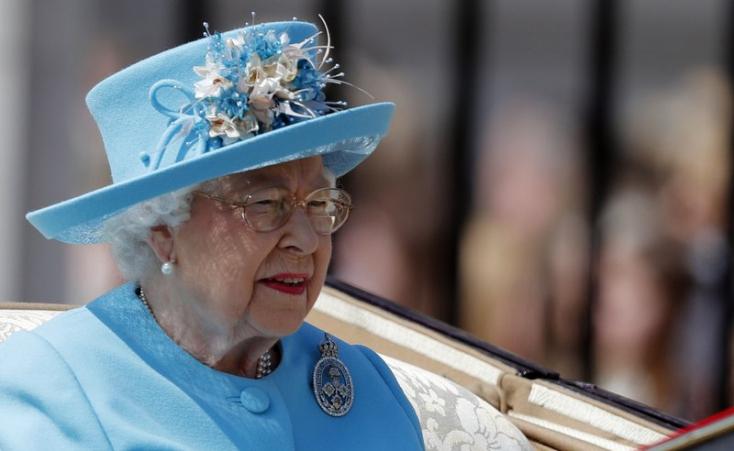 """Megünnepelték II. Erzsébet királynő """"hivatalos"""" születésnapját"""