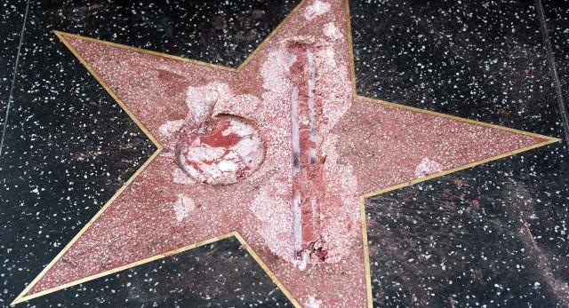 El akarják távolítatni Donald Trump csillagát a hollywoodi Hírességek sétányáról