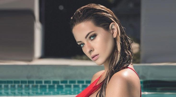 Ashley egy brutálisan szexi nő (FOTÓK)