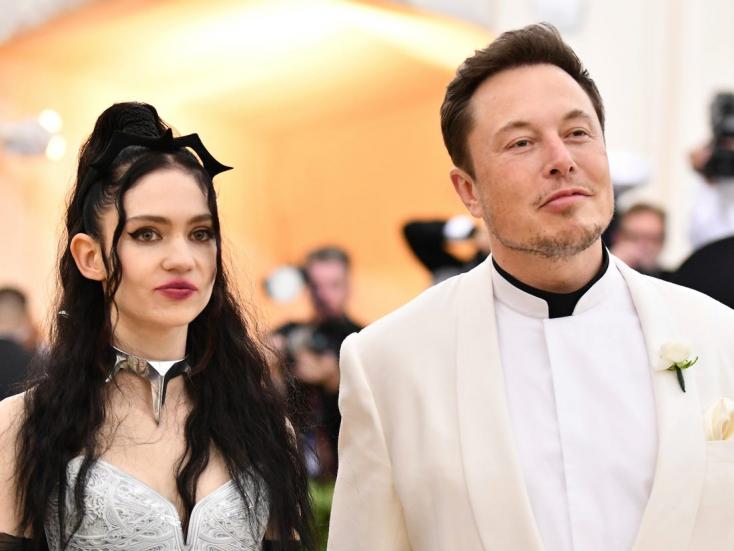 Sokatmondó meztelen képet tett közzé Elon Musk barátnője – FOTÓ