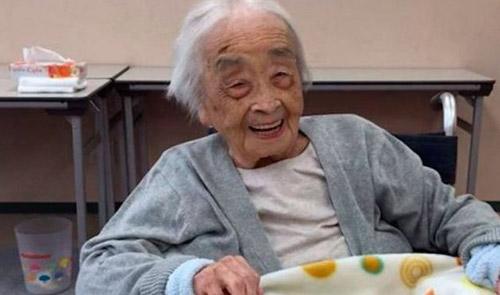 Meghalt 117 évesen a világ legidősebb embere