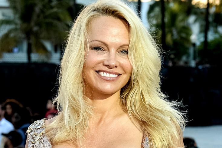 Titokban megházasodott Pamela Anderson – ő az újdonsült férj – FOTÓ