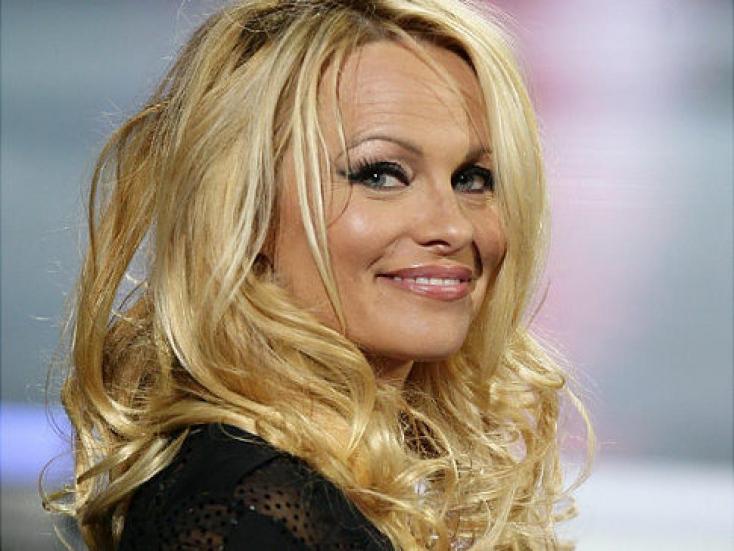 Melltartós fotót posztolt Pamela Anderson - FOTÓ!