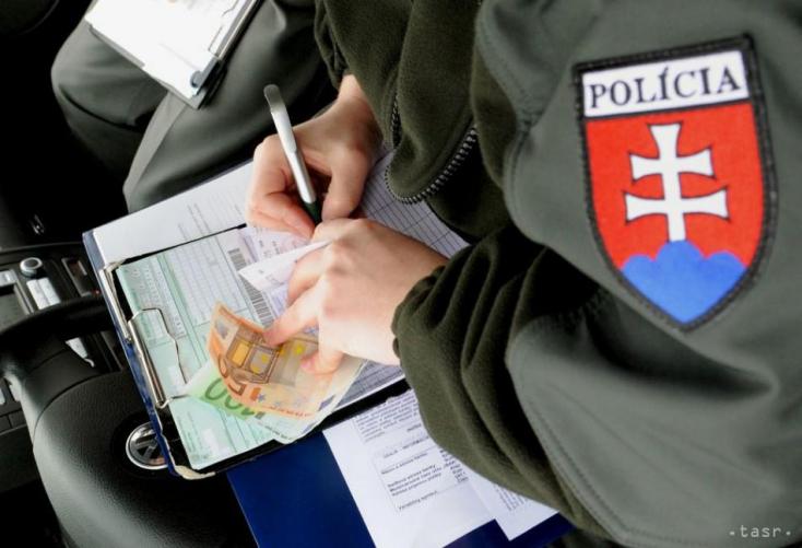 Házibuli miatt büntette meg az olasz rendőrség a Juventus három futballistáját