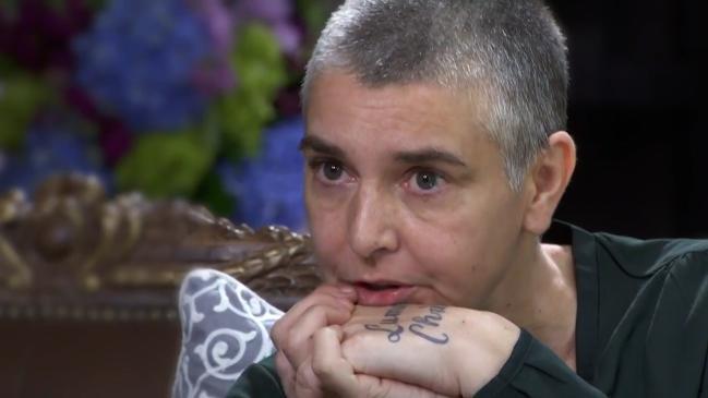 Sinéad O'Connort szexuálisan bántalmazta az édesanyja