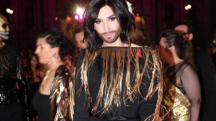 """HIV-fertőzött a """"szakállas énekesnő"""""""