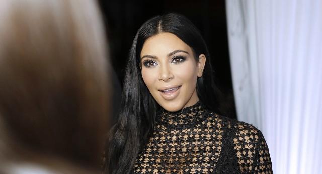 Kim Kardashian megint meztelenkedett