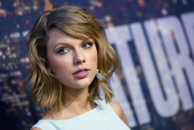 Taylor Swift ilyen outfitben áll ki a melegházasság mellett