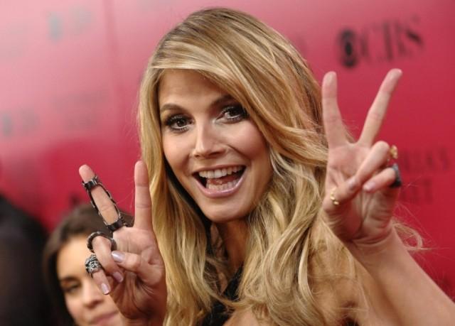Kirakták a melleiket a hírességek a jótékonysági gálán (FOTÓK)